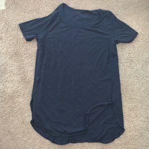Lululemon Navy T-Shirt size 6